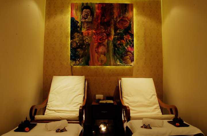 FOOT THERAPY ROOM, Skin Bightining Fruit Facial