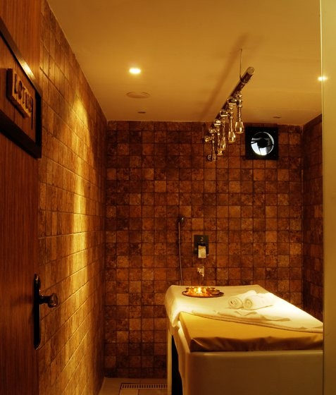 LOTUS VICHY SHOWER, Facial Treatments in Kolkata